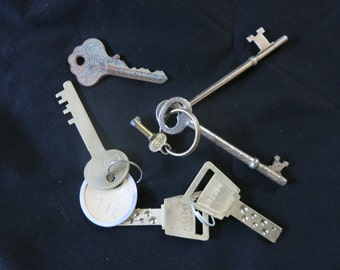 Vintage Keys - Skeleton & Safety Deposit Box