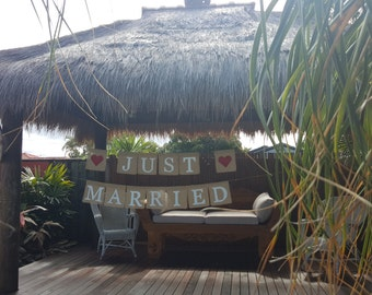 Burlap Banner / Hessian Sign - <3 JUST <3 MARRIED