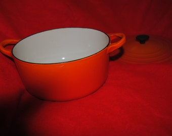 "1970s Made in France LE CREUSET Cast Iron 2 qt. Dutch Oven ""B"""