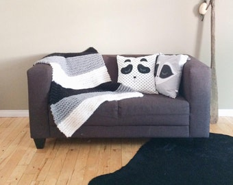 Super chunky blanket / child striped knitted wool and acrylic