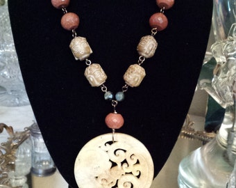 One strand Italian copperstone and jade pendant necklace