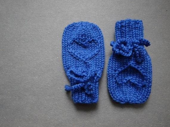 Knitting Patterns For Scratch Mittens : Royal blue baby scratch mittens knit newborn mitts by Susuri