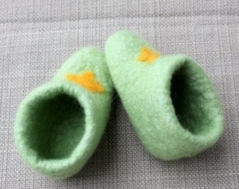 Light Green Baby Booties for a Newborn to 3 m.o. witha Yellow Star for a Boy or a Girl