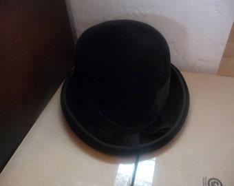 Beautiful Black Velvet Cathay of California Lady's Hat