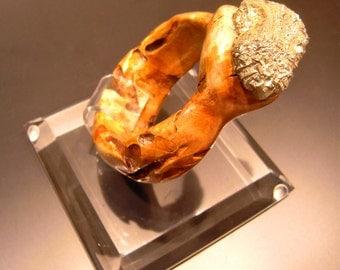 wood armlet