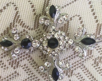 Rhinestone Cross Brooch/Pendant