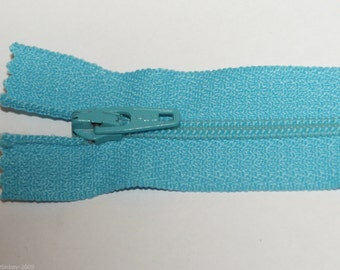 """Top Quality 8"""" ( 20 cm)  Closed End Nylon Zips - Turquoise"""