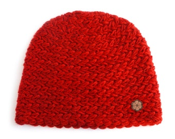 Red cap, big mesh 100% natural color alpaca, handmade