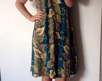 Beautiful Vintage Fern Print Dress