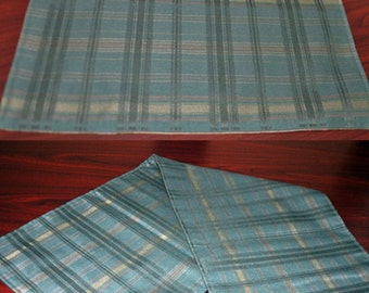 Green Plaid Handmade Table Runner and 4 Matching Place Mats