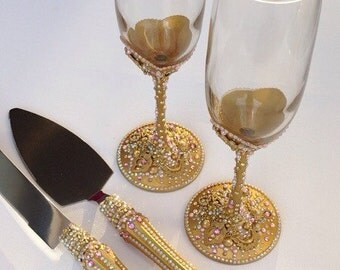 Pink and Gold Toasting Flute & Cake Server Set, Pink and Gold Wedding, Gold Toasting Flutes, Gold Cake Serving Set, Gold Wedding Decor