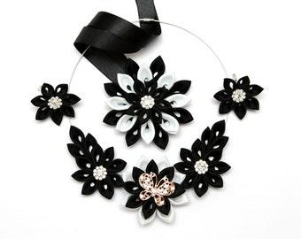 Kanzashi necklace set of 3 pieces. Black and white kanzashi fabric flower necklace. Floral necklace. Earrings. kanzashi braslet