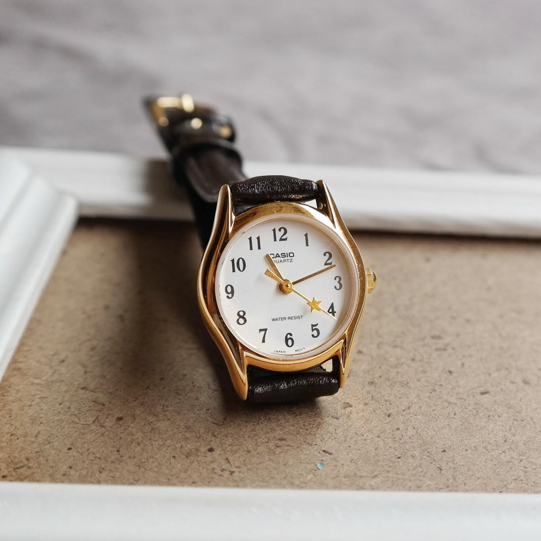titan hexad vintage petite women unique style watch in gold