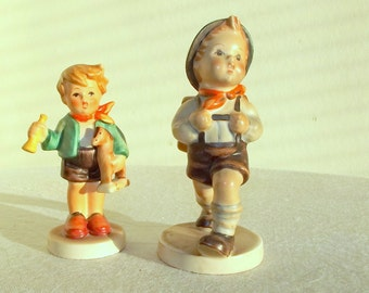 Must Go ! Pair of Hummel Figurines