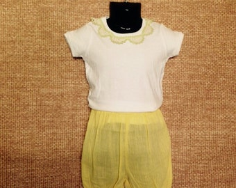 Vintage doiley tshirt and yellow cheesecloth bubble shorts - Size 2