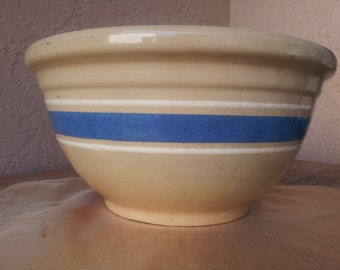 "Vintage Wall ""oven ware"" bowl size 12"