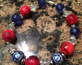 Patriotic bracelet with magnetic clasp