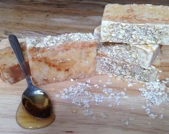 Honey & Oatmeal soap, handmade soap, SLS-free, paraben-free, cold process soap