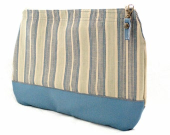 COOL ON BLUE Clutch bag