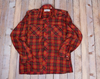 Vintage men's plaid button down shirt
