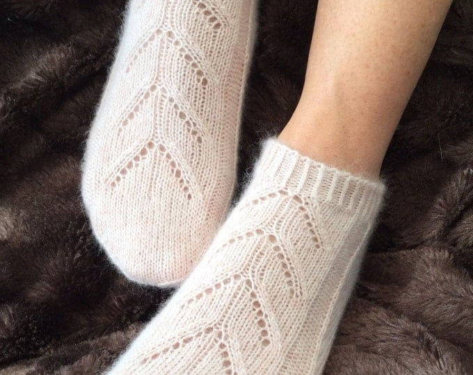 Pure cashmere sock, oatmeal handmade footsie socks by Willow Luxury ( to fit ladies shoe size UK 4-6, US 6-8, European 37-39)