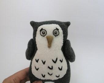 Handmade soft toy Owl / Children's room decor / Stuffed toy Owl / Baby Owl gift