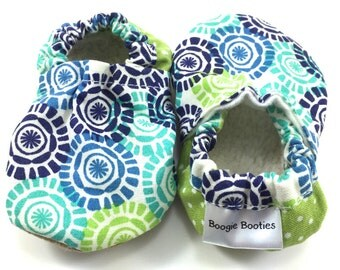 Medallion baby shoes girl baby booties girl soft sole shoes toddler shoes vegan baby shoes crib shoes green baby shoes aqua baby shoes