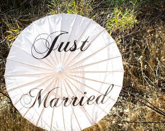 SALE - Wedding Paper Parasols for Wedding Pictures, Wedding Ceremony, Beach Wedding, Paper Umbrella, Just Married Parasol
