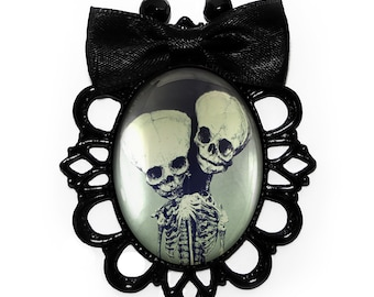 Conjoined Twins Skeleton Fetus Victorian Freak Show Frame Oddity Filigree Rosary Bow Necklace 99-JBBPN