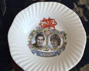 Vintage Conmemorative Plate of Prince Charles and Princess Diana, charles and Diana Saucer, vintage tea set