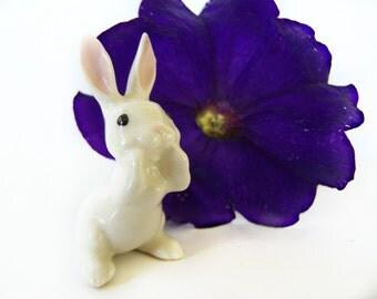 Vintage Bunny Miniature Hagen Renaker Rabbit Papa or Whispering White Bunny Rabbit #197 Adorable 1980's Figurine Miniature Animals off card