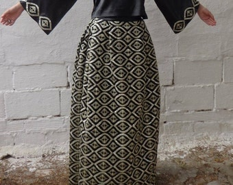 Callas, chiffon skirt natural embroidered in silver and satin top model.
