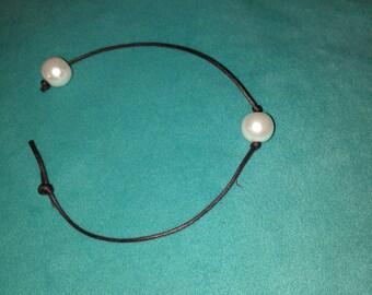 Single Pearl Leather Bracelet