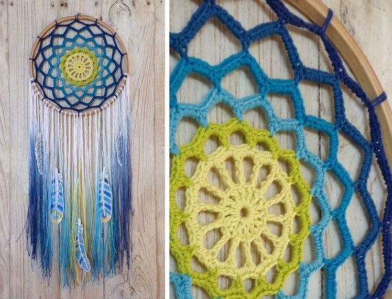 items similar to crochet dreamcatcher lagoon with tie dye thread on etsy. Black Bedroom Furniture Sets. Home Design Ideas