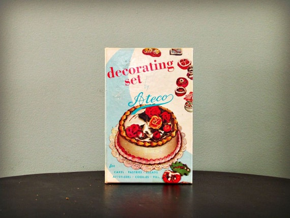 Vintage Cake Decorating Kit New In Box Mid Century by DeerNina