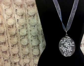 Shabby Chic Lace Necklace