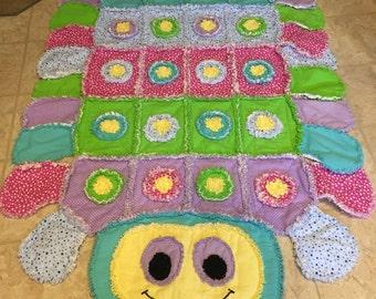 Cutie the caterpiller quilt