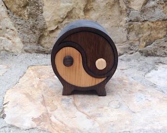 Ying Yang Box