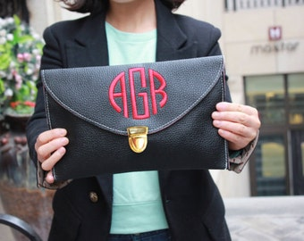 Monogram Clutch Maid of Honor Gift Black Clutch Custom Bridesmaid Purse Personalized Clutch Crossbody Clutch Envelope Purse Black Clutch