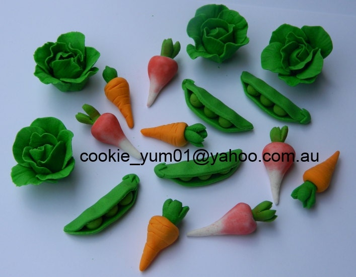 Edible Cake Decorations Vegetables : 16 edible 3D VEGETABLES PETER Rabbit theme harvest farm garden