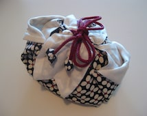 Flower Petal Pouch small white flower (small)