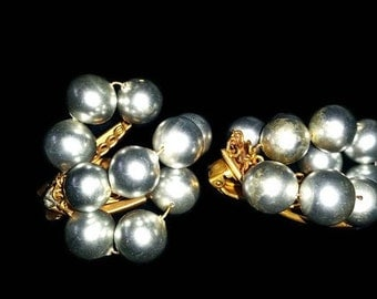 "1950""s Clip On earrings - Gray Pearls"