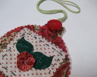 Christmas Ornament, patchwork, quilted, christmas tree ornament, applique, red, green, christmas bulb