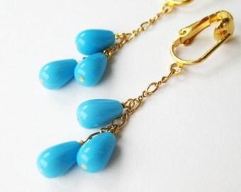 Sky Blue Teardrop Clip On Earrings, Gold Chain Dangle Clipons, Light Blue Glass Drop Clip Earrings, Gold Ear Clips, Handmade, Summer Sky