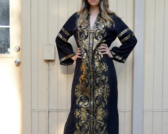 Vintage 70s/80s Kaftan/ Black and gold