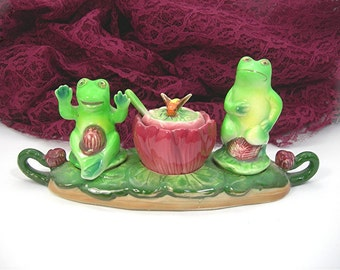Kitschy Green Frogs Salt Pepper Jam Set on Lily Pad Tray, Shafford Ceramic Made in Japan, Vintage c1950s, Kitchen Collectible