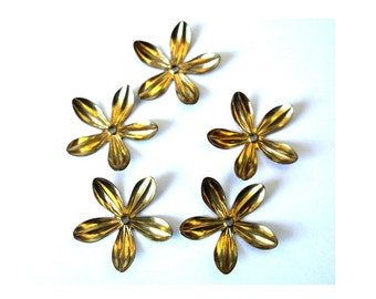 6 flower beads, gold color metal, vintage 26mm, you can change the gesture of the leaves
