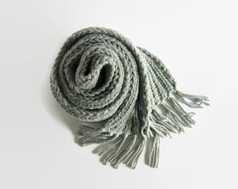 Chunky Knit Scarf with Fringes in Gray Wool