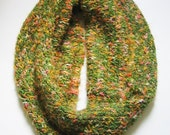 Infinity Scarf Green Coral Warm