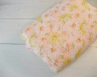 3.5 Yards Vintage Lightweight Flannel Fabric with Pink and Yellow Daisy Floral Design
